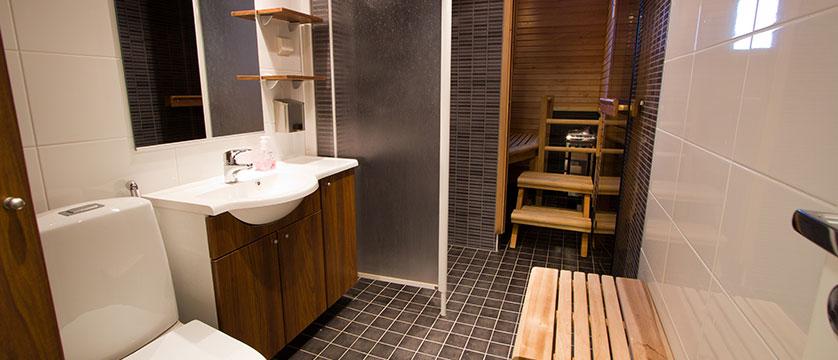 Finland-Lapland_Levi_Levi-Cottages_bathroom-sauna2.jpg